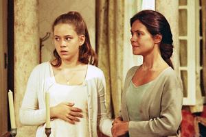 Adriana Esteves e Leandra Leal em A Indomada