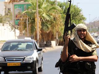 Ver vídeo  'Los rebeldes cada vez más cerca de Sirte, última ciudad leal a Gadafi'