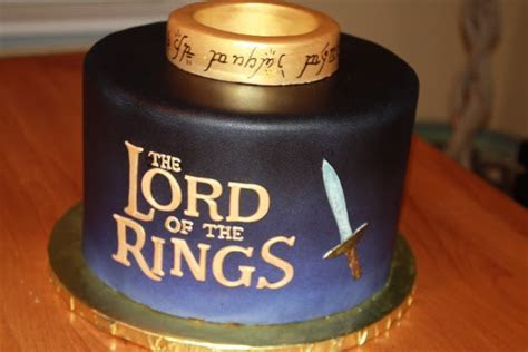 The Good Apple: Lord of the Rings Cake. The ring says