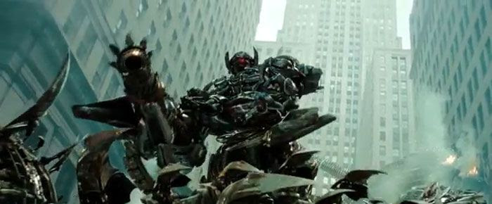 TRANSFORMERS: DARK OF THE MOON.