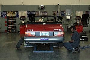 English: A red 1989 Saab 900 Turbo convertible...