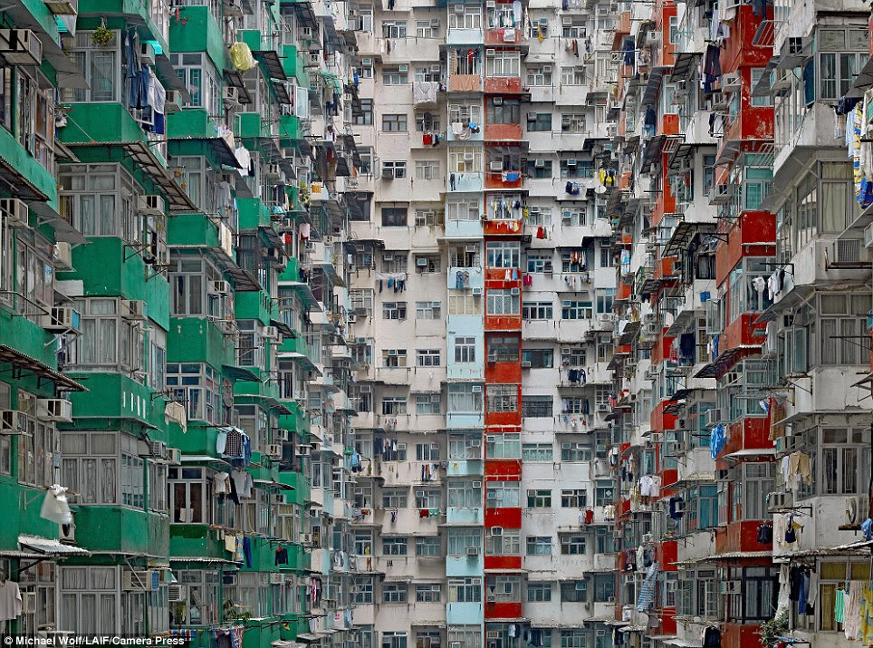 Stunning images of Hong Kong 'living cubicles' that look just like ...