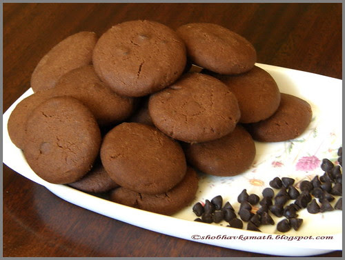 Chocolate chip cookies (eggless)