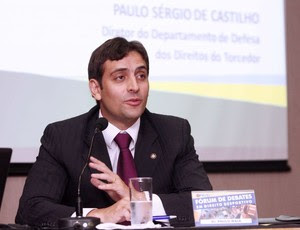 Juiz Paulo Maia participa de debate promovido pela OAB-RJ (Foto: Úrsula Nery/FERJ/Divulgação)