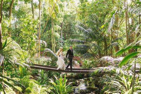 Elegant Perth Zoo wedding   Angela Higgins