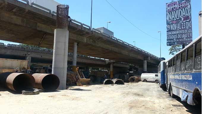 El Departamento de Transporte de la UCV está siendo afectado directamente por la colación de pilares en los trabajos de ampliación