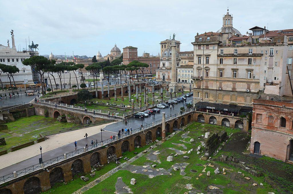 Trajanus Market, Imperial Forum, Rom (14089148447) .jpg