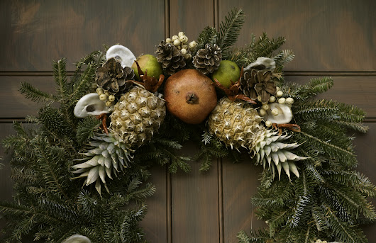 Revisited Myth #101: Colonial Americans decorated their homes with fresh fruit at Christmas.