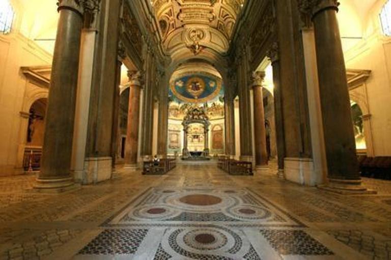 15. Basílica de la Santa Cruz de Jerusalén