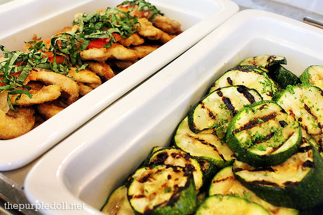 Entrees - Chicken Sautee with Onion and Basil and Grilled Zucchini