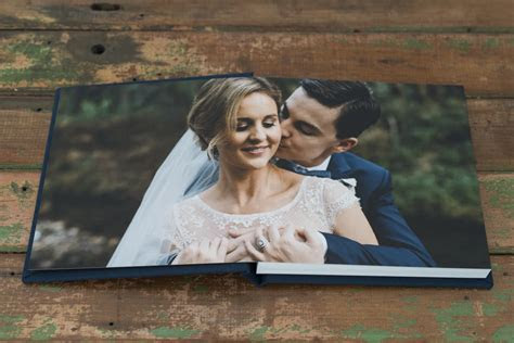 FABRIC COVERED FINE ART WEDDING ALBUM   Wedding Albums