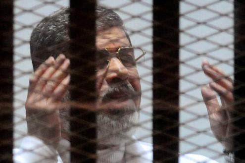 Egito: Morsi condenado à morte por ter fugido da cadeia na revolução de 2011