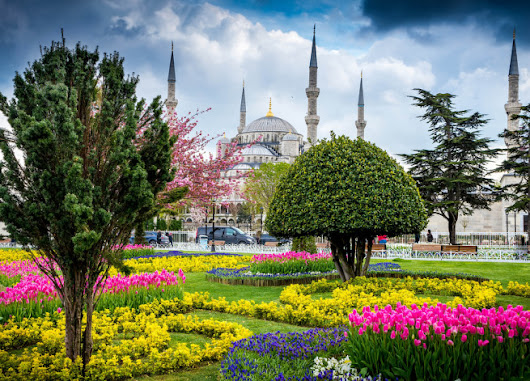 8 reasons everyone should visit Turkey in the spring