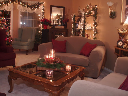 Dining delight christmas decor living room - How to decorate living room for christmas ...