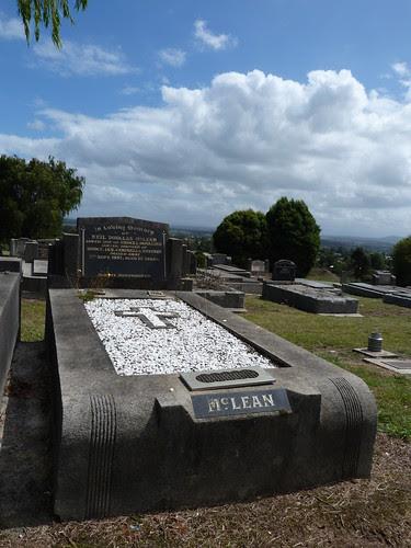 Moe Public Cemetery