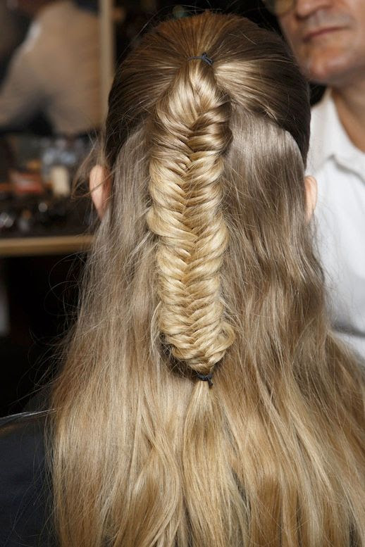 Le Fashion Blog -- 30 Inspiring Fishtail Braids -- Half Up Braid Etro Hair Style -- Via Style Bistro -- photo 5-Le-Fashion-Blog-30-Inspiring-Fishtail-Braids-Half-Up-Braid-Etro-Hair-Style-Via-Style-Bistro.jpg