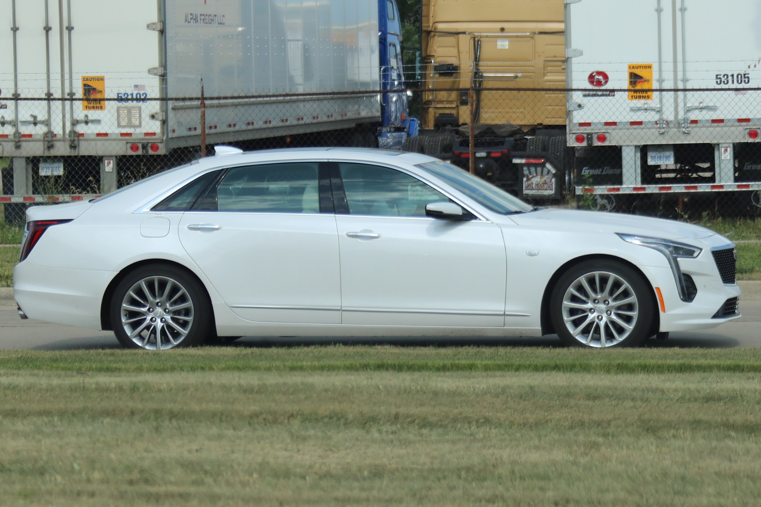 2019 CT6 Premium Luxury In Crystal White: Photo Gallery ...