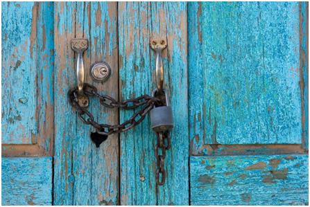 http://randb8688.files.wordpress.com/2011/03/door-locked-with-chains.jpg