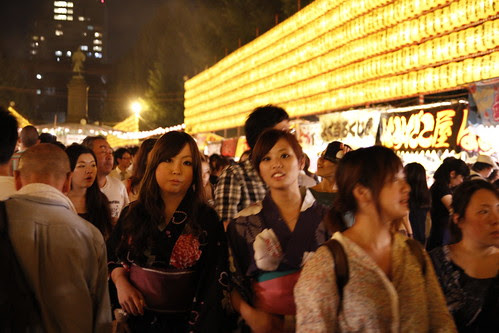 Two yukata-wearing girls disapprove my photo taking (Mitama Festival 2010)