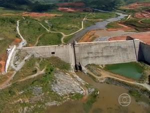 Atraso marca obra da Barragem de Serro Azul, na Mata Sul de PE (Foto: Reprodução / TV Globo)