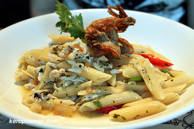 Black Pepper Crab Pasta