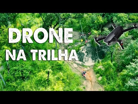 Levei o drone para a trilha de moto