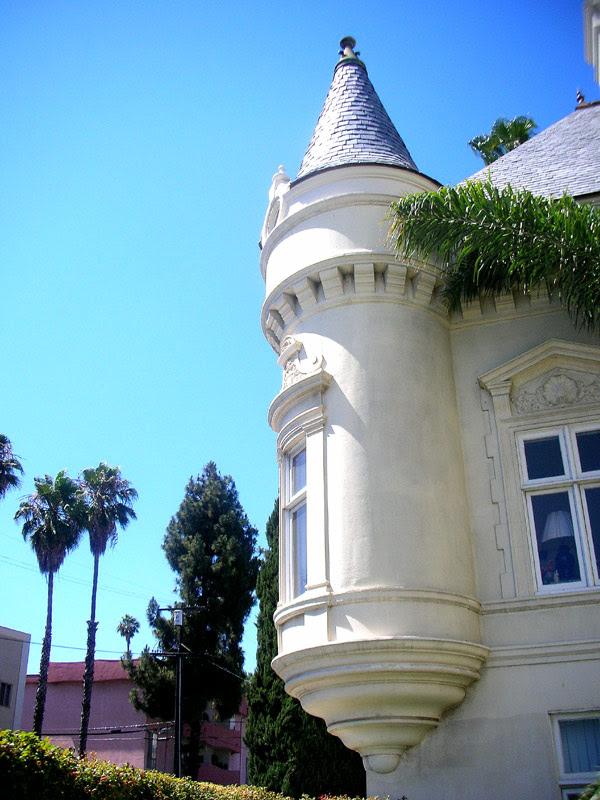 trianon turret