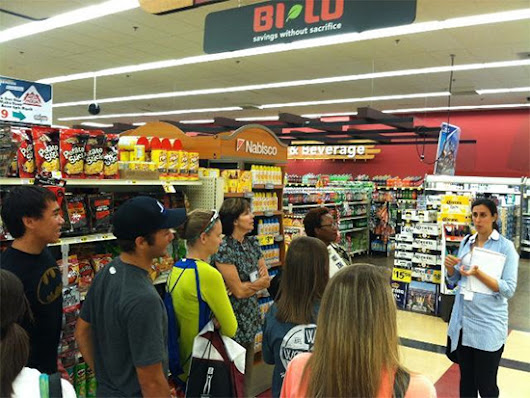 Grocery Store Tours - Student Health Services