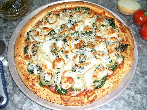 Pizza aux épinards et oignons