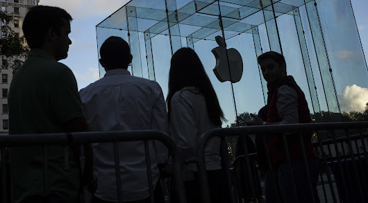 Apple to Cut Fees Video Services Will Pay for App Store, Say Sources