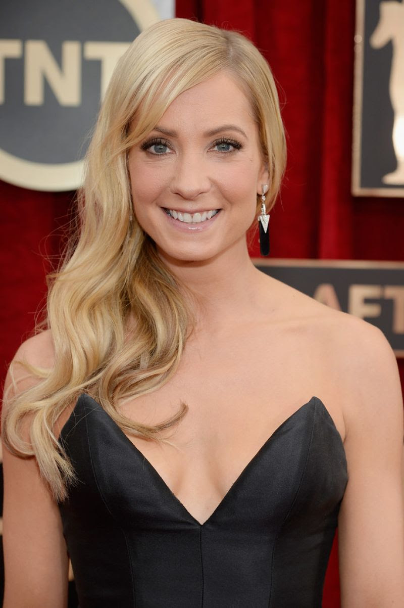 JOANNE FROGGATT at 2015 Screen Actor Guild Awards in Los Angeles