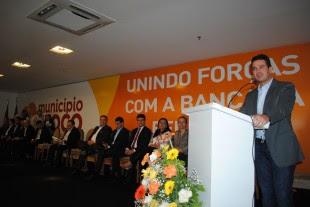 Gil Cutrim coordenou a reunião entre gestores públicos municipais e a Bancada Federal em Imperatriz.