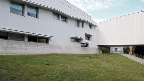 Santiago de Compostela, Facultade de Ciencias da Comunicación. Álvaro Siza