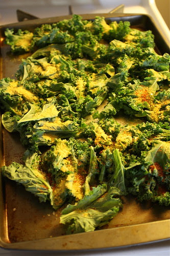 kale chips with nutritional yeast, olive oil and Penzey's spices