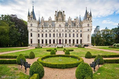 Destination wedding in Chateau Challain ? get married in