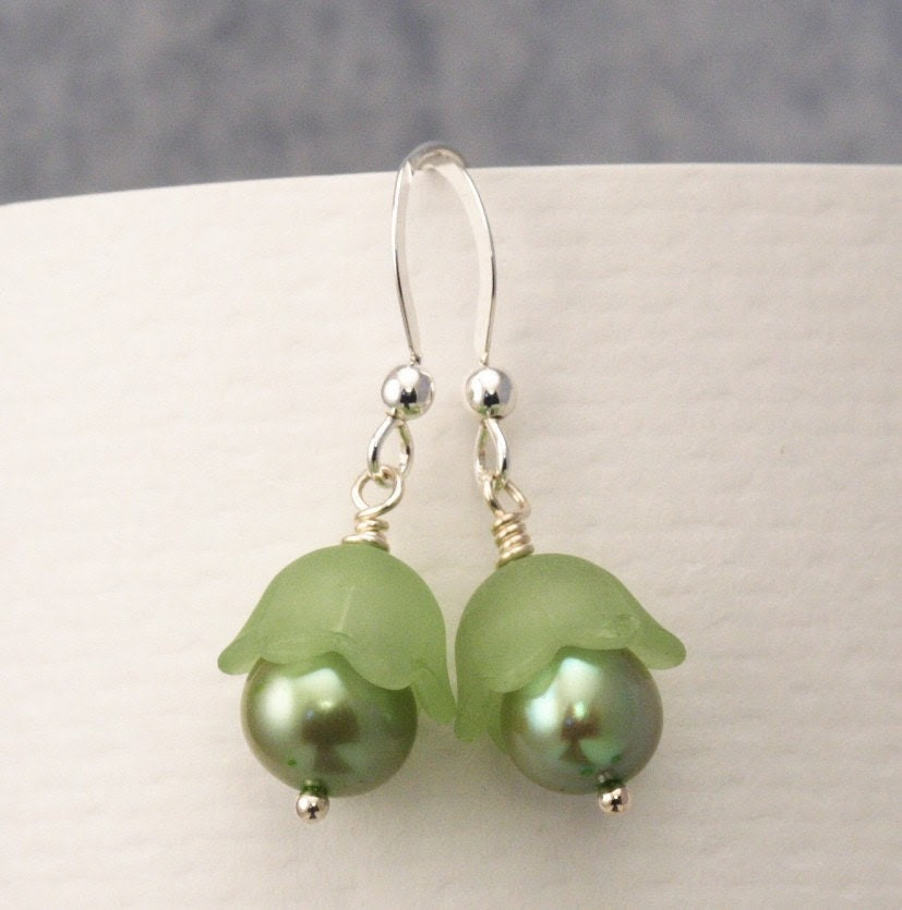 Free Shipping - Sweet Green Pea Sterling Silver Earrings