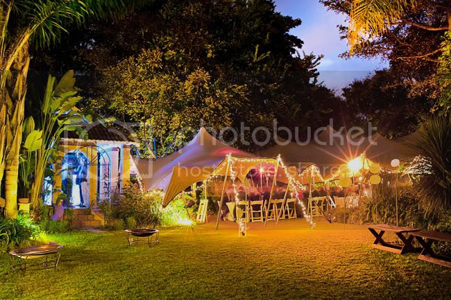 http://i892.photobucket.com/albums/ac125/lovemademedoit/LN_GardenWedding_051.jpg?t=1312697138