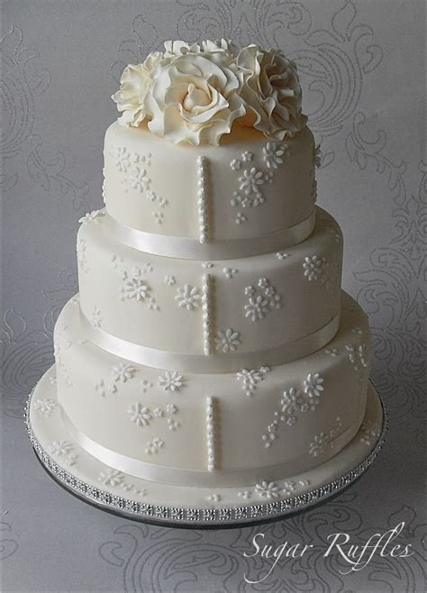 Floral Ivory Wedding Cake