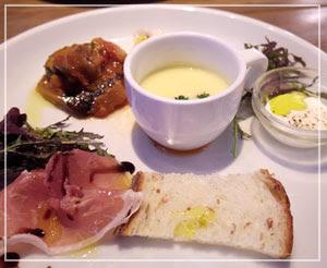 葛西「FRESH CHEESE ITALIAN VANSAN」にて、ランチの前菜プレート、こんな感じ。