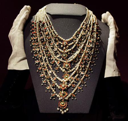 Umm Kulthoum Pearl Necklace