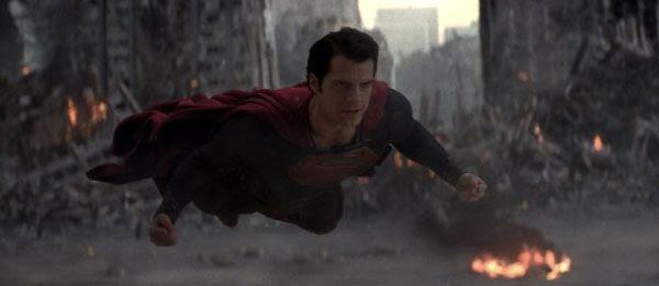 Superman (Henry Cavill) takes on a worthy foe in MAN OF STEEL.