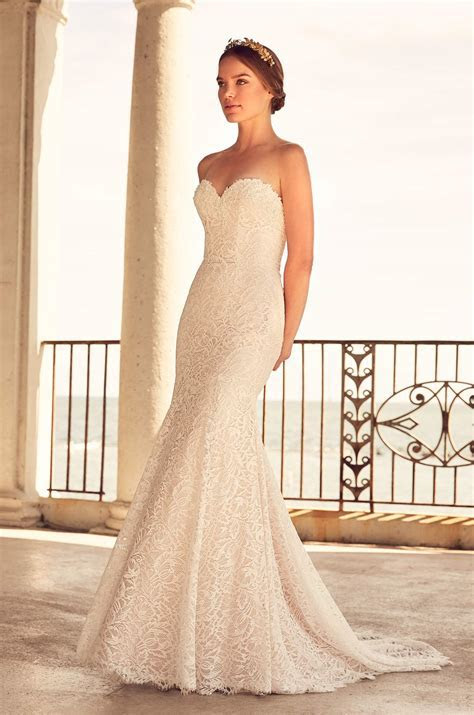 Fit And Flare Lace Gown With Sweetheart Neckline