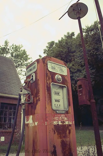 Skelly's Gas Station - Pump