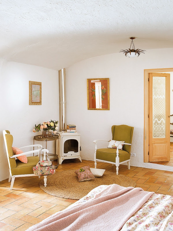 romantic-dwellings-rustic-charm-with-a-feminine-touch-10