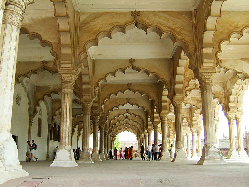ملف:Agra-Fort-Diwan-i-Am-Hall-of-Public-Audience-Apr-2004-03.JPG