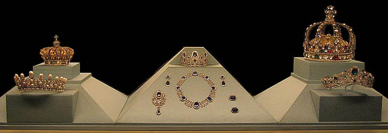 File:French-crown-jewels.jpg