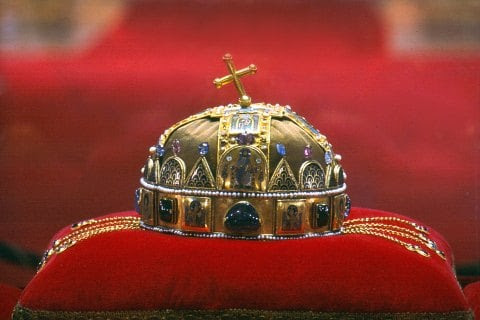 Stealing the King's Crown - Medievalists.net