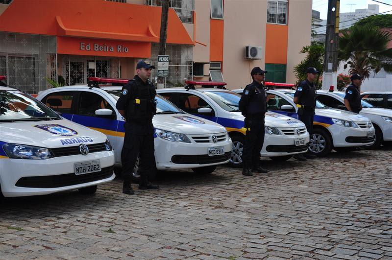 As sete viaturas entregues hoje (4) serão alugadas até que saia resultado de licitação para compra de veículos pela secretaria