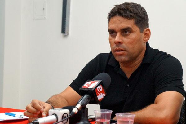 Ex-técnico do Globo deu sua versão sobre a confusão com o presidente do clube