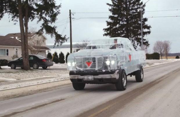 Empresa canadense construiu picape de gelo  (Foto: Reprodução/YouTube/Canadian Tire)